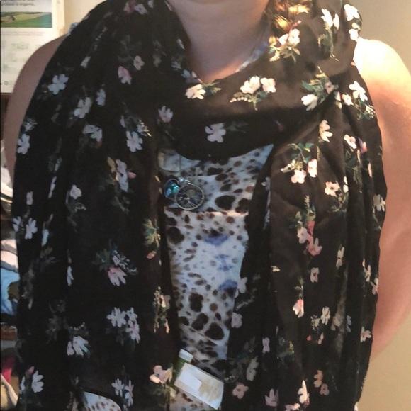 kate spade Accessories - Kate Spade flora oblong scarf black/pink floral